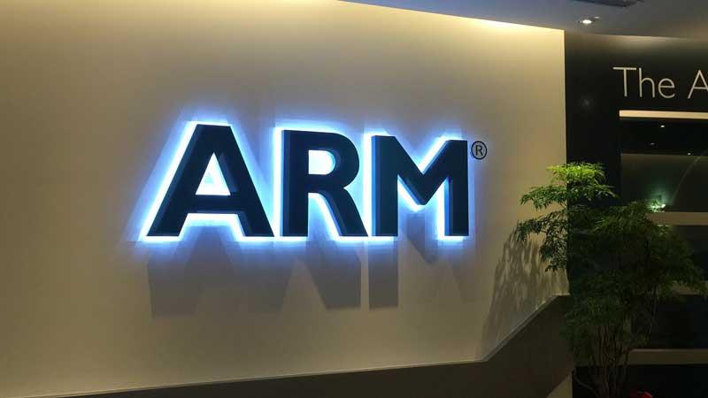 ARM-Wall-01