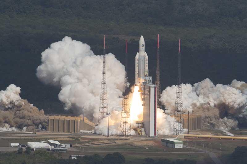 ariane-galileo-liftoff-01
