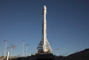 SpaceX-Falcon-01