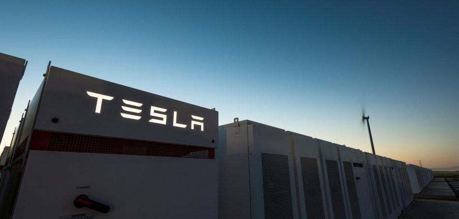 Central Tesla Austrália tesla - Central Tesla 933x445 - Tesla acaba instalação de sistema de armazenagem de energia na Austrália