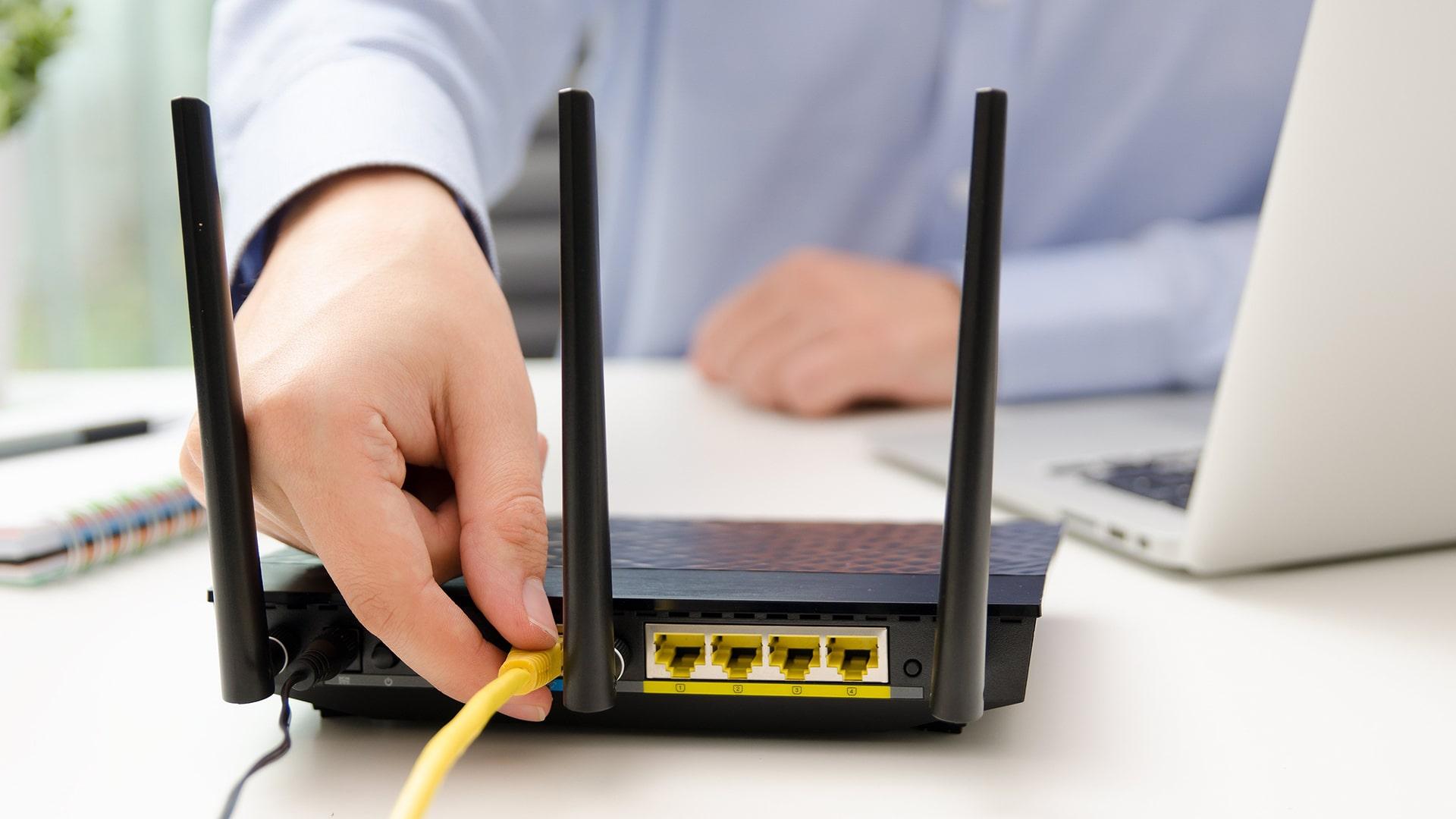 Router, malware, Broadcom