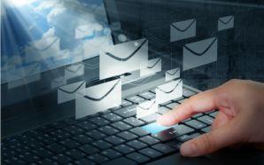 Mais de 700 milhões de endereços de email roubados aparecem…