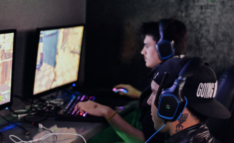 Gaming ©Alex Haney