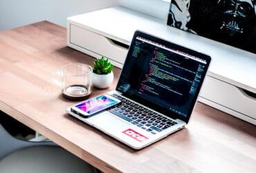 Crias apps ou programar em Python são algumas das possibilidades. ©Alexandru Acea