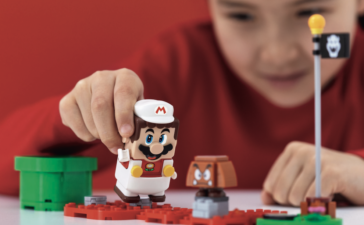 Super Mario ©LEGO