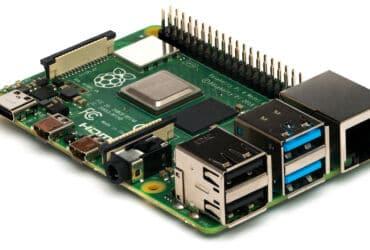 Raspberry_Pi_4_Model_B_-_Side