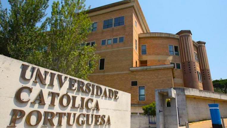 ©Universidade Católica
